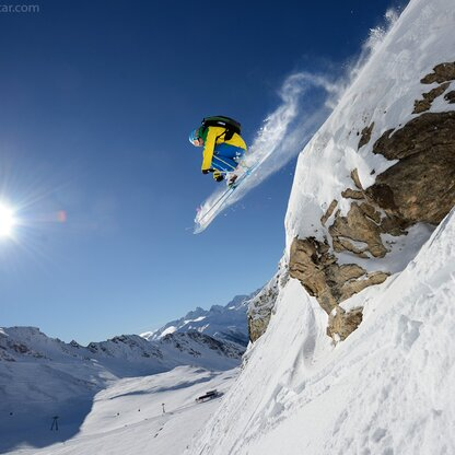 Powder snow fun awaits freeriders off the slopes on the Grossglockner.